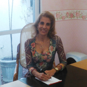 Dra. Ana Amélia